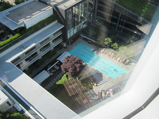 The pool of the Fairmont is down below.