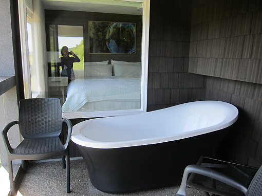 Outside soaking tub