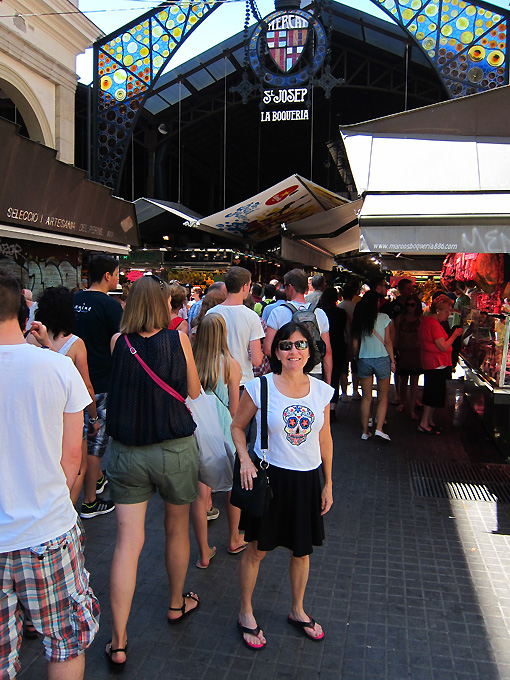 In the middle of the throngs and the beginning of La Boqueria